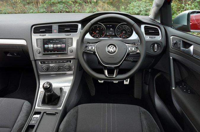 Volkswagen Golf Alltrack interior