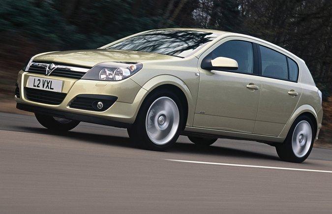 4: Vauxhall Astra (2004 – 2009)