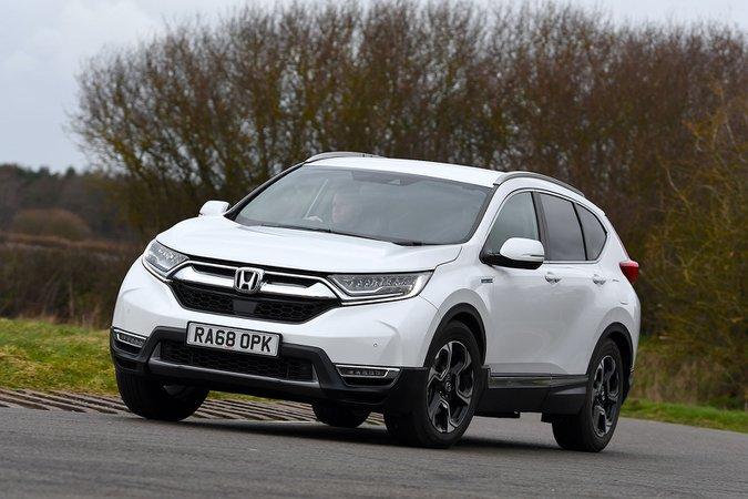 Honda CR-V Hybrid driving