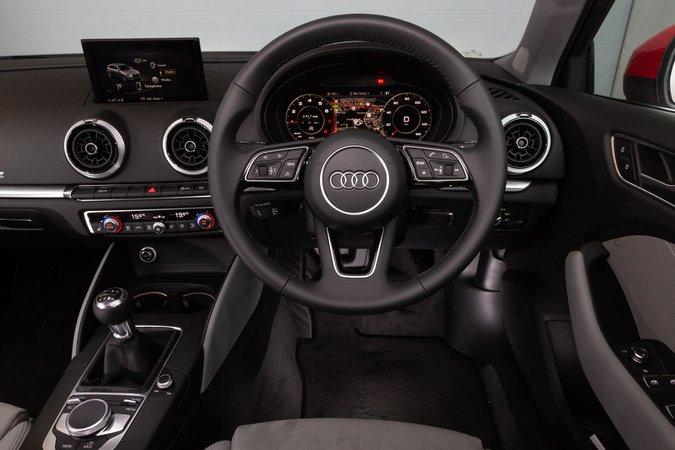 Audi A3 30 TFSI S line S tronic [Tech Pack] - interior