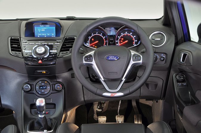 Ford Fiesta ST (2013-2017) - interior