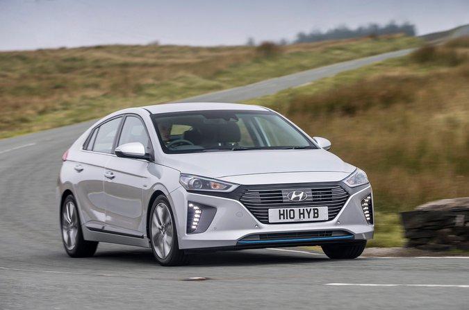 Hyundai Ioniq Hybrid front three quarters