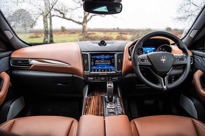 Maserati Levante - interior