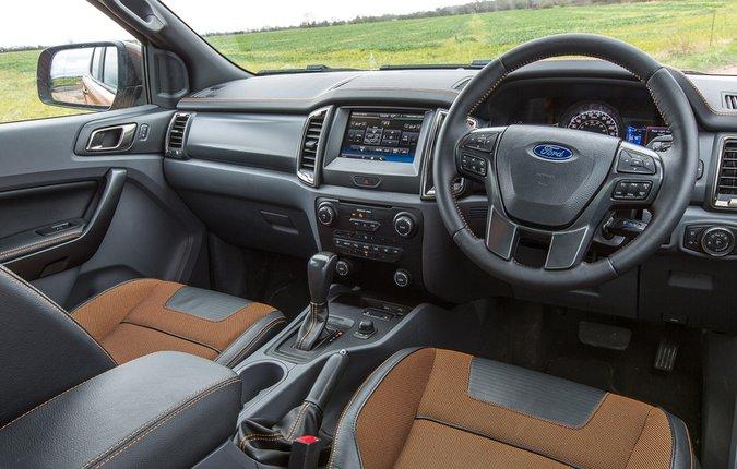 Ford Ranger Wildtrak 3.2 TDCi 200PS - interior