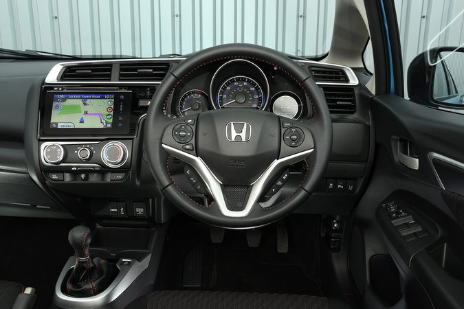 Honda Jazz EX 1.3 i-VTEC Manual - interior