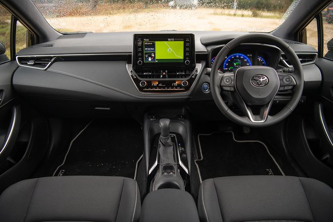 Toyota Corolla Touring Sport Hybrid Design 1.8 VVT-i - interior