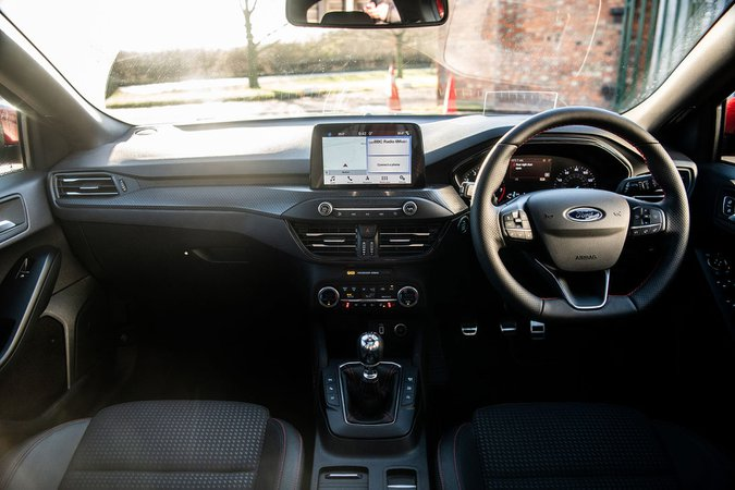 Ford Focus ST-Line 1.0 EcoBoost 125PS FWD - interior