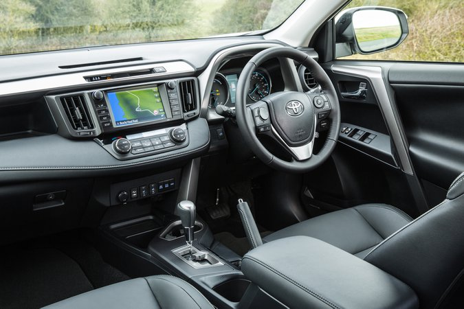 Toyota RAV4 2.5 Hybrid - interior