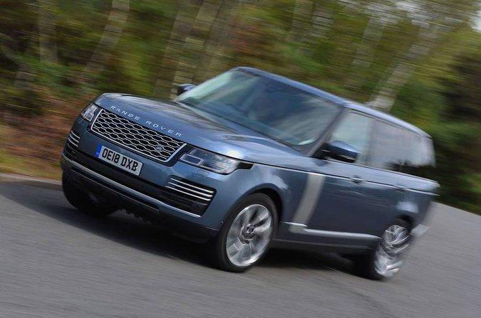Range Rover cornering front three quarters