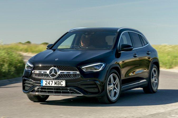 2021 Mercedes GLA ön viraj