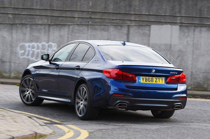 BMW 530e rear cornering