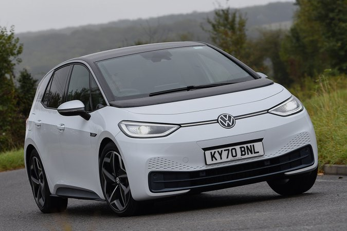 Volkswagen ID.3 2020 in curva anteriore