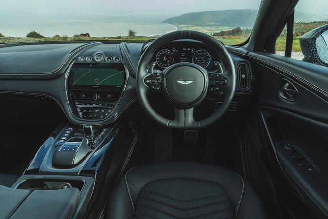 Aston Martin DBX 2020 dashboard