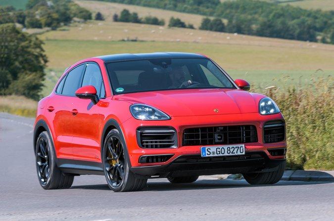 Porsche Cayenne Coupe GTS 2021 front