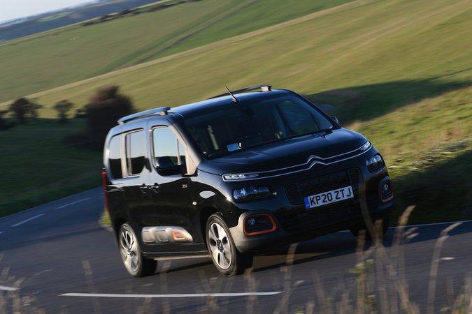 Citroën Berlingo 2021 front right cornering