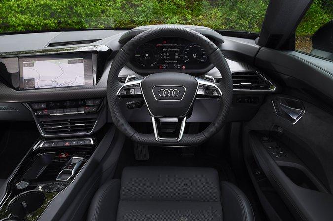 Audi E-tron GT 2021 dashboard