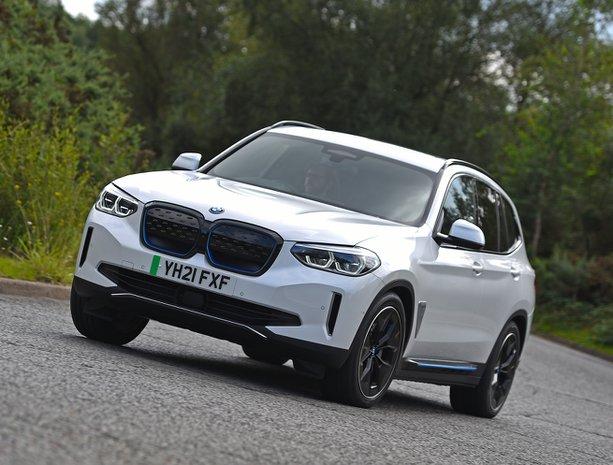 BMW iX3 2021 front cornering