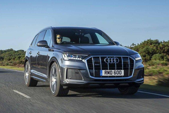 Audi Q7 2019 RHD front right tracking