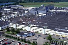 Saab to sell and lease back property