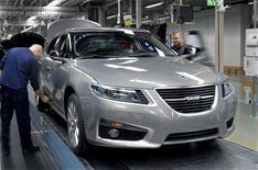 Saab delays production restart