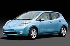 Nissan Leaf electric car on video