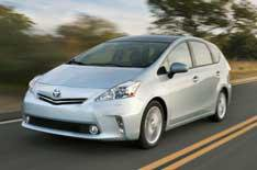Toyota Prius+ to get plug-in power