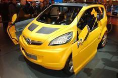 Vauxhall plans Mini rival