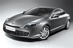 Renault reveals the Laguna coupe