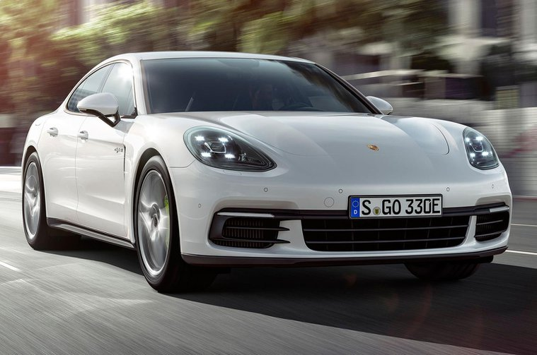 New Porsche Panamera - entry level models added