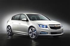 Chevrolet Cruze hatchback revealed
