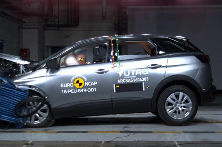Mercedes E-Class and Peugeot 3008 get top safety ratings