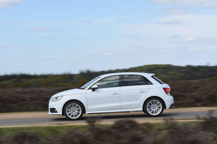 New Mini 5dr vs Audi A1 Sportback vs Ford Fiesta
