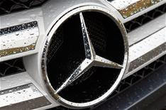 New safety systems for Mercedes-Benz