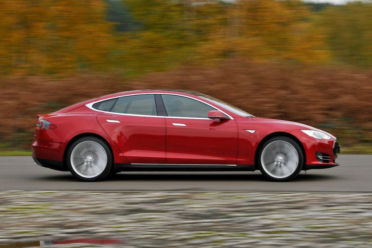Tesla Model S gets four-wheel drive and self-driving tech