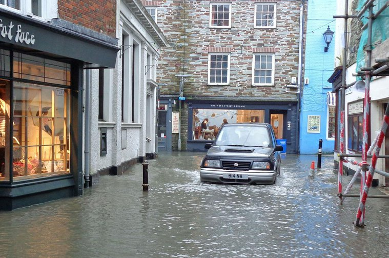 Flood water - how to drive through it safely