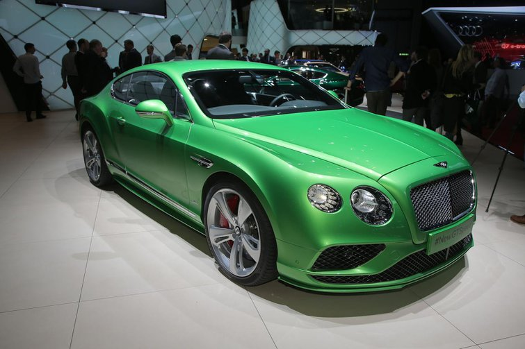 Facelifted Bentley Continental GT and Continental Flying Spur revealed