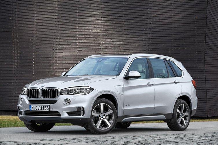 BMW reveals hybrid X5 ahead of April debut