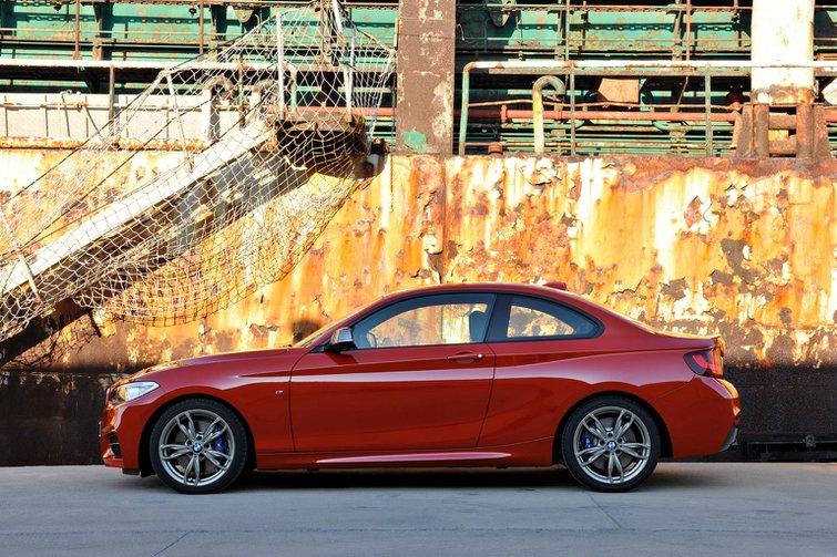 2014 BMW 2 Series revealed