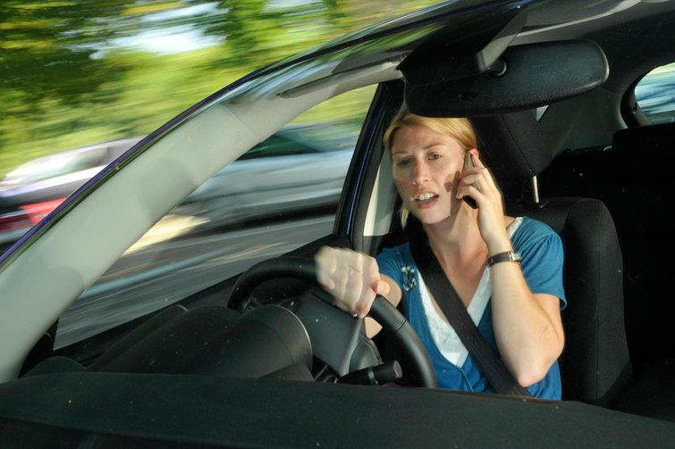 New year resolutions - 10 ways to be a better driver in 2015