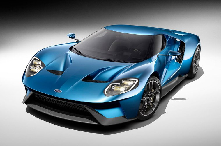 Lightweight Ford GT supercar revealed