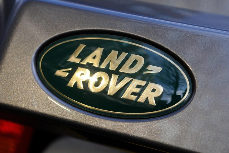 Land Rover pick-up on sale in 2017