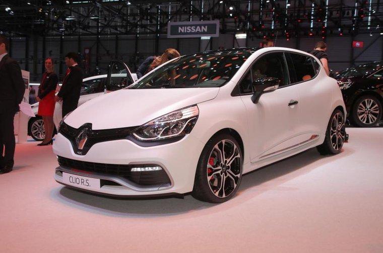 2015 Renault Clio 220 Trophy - Engines, specs, pricing