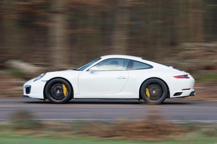 2015 Porsche 911 Carrera S review