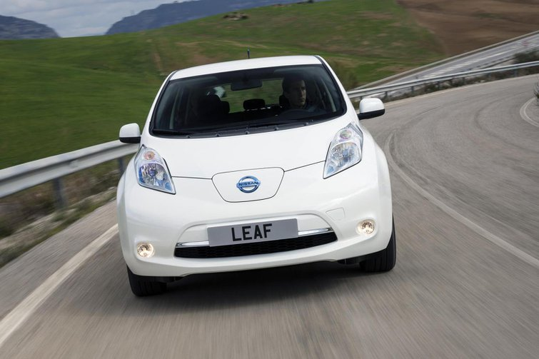 Nissan Leaf buyers get access to other models