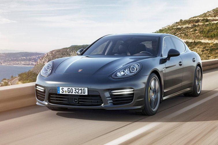 Face-lifted Porsche Panamera Turbo S revealed