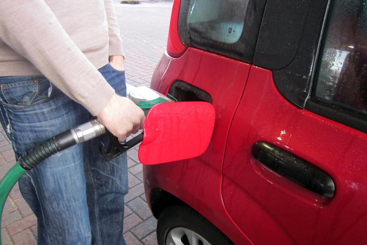 Chancellor cancels 2p-a-litre fuel duty rise
