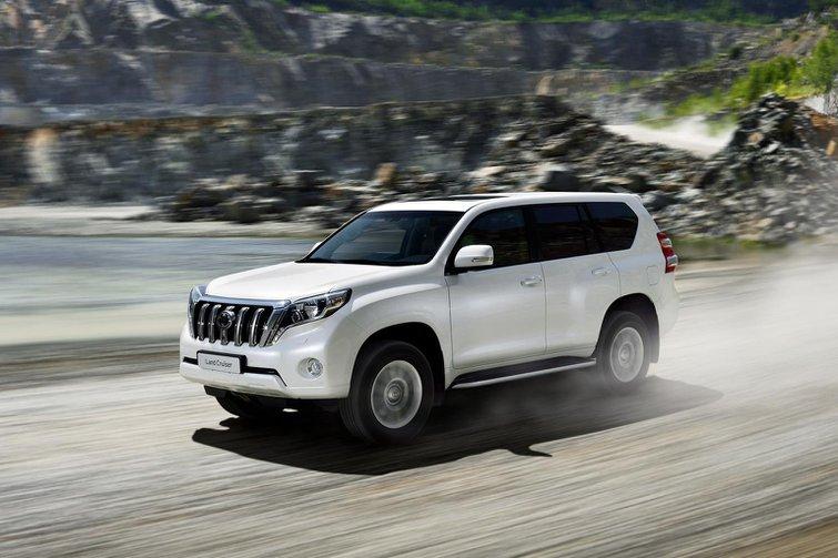 2014 Toyota Land Cruiser face-lift revealed