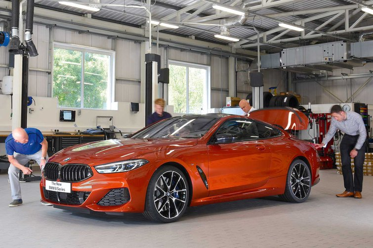 2018 BMW 8 Series reader test team