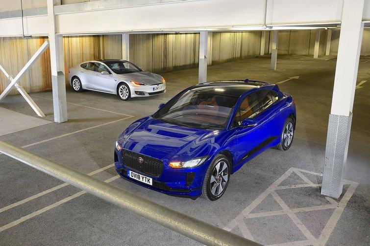 Jaguar I-Pace vs Tesla Model S