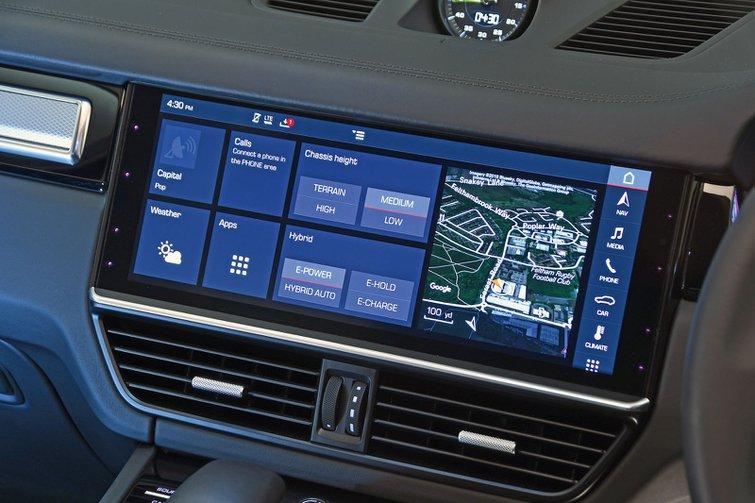 Porsche Cayenne infotainment